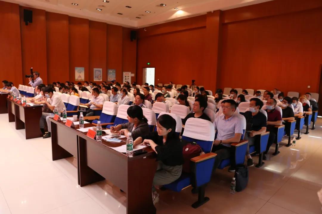 凤阳县政府、科技局、税务局领导出席会议